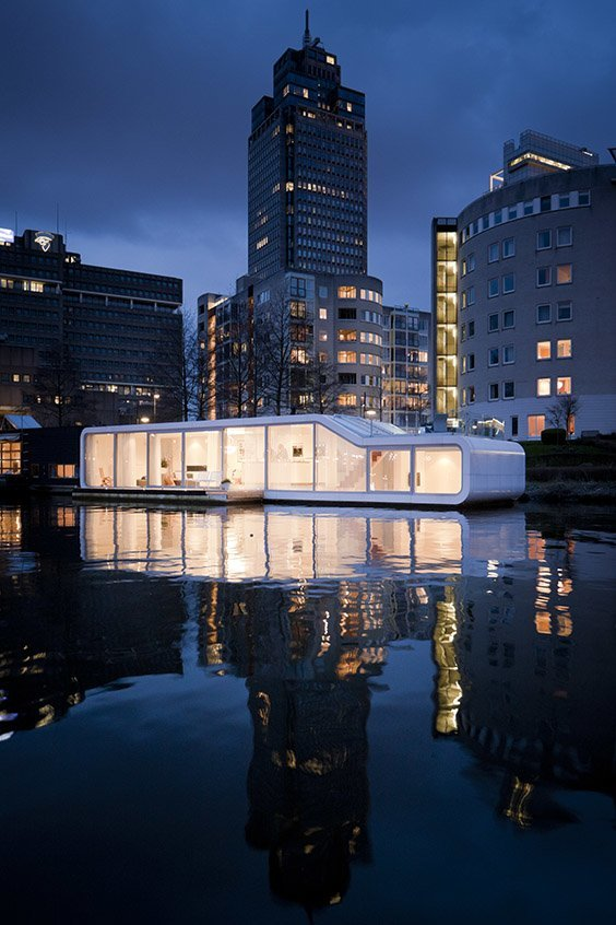 Watervilla de Omval, Amsterdam, the Netherlands.