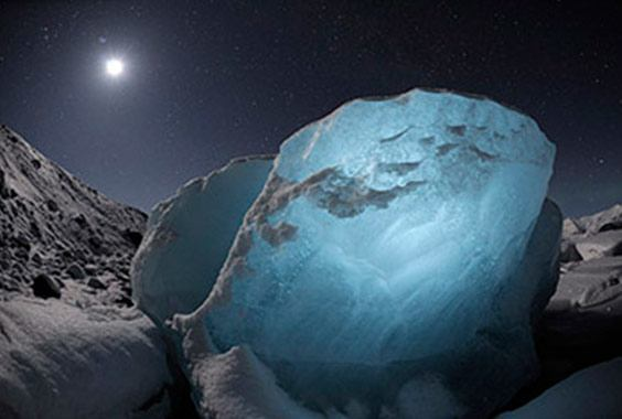 James Balog: The Art & Science of Chasing Ice photo